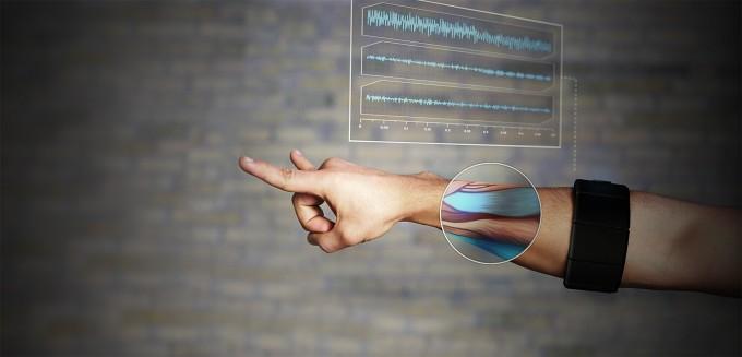 arm_and_signal-myo-technews-fr