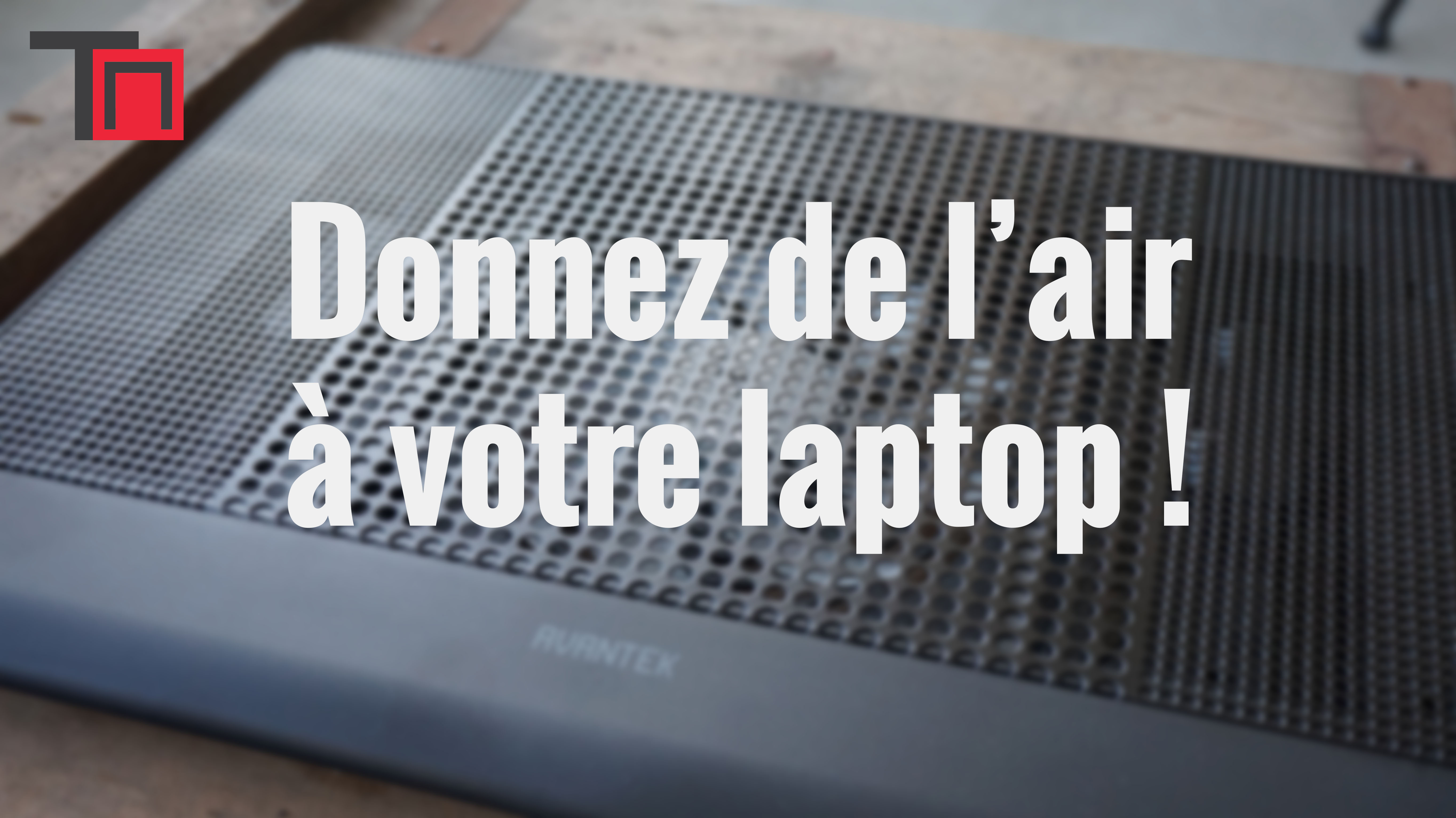 donnez de l air votre laptop avec un support ventilateur geekparadize fr magazine d. Black Bedroom Furniture Sets. Home Design Ideas